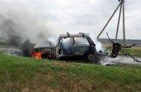 В Криничанском районе водитель получил ожоги, пытаясь спасти от огня свою машину (ВИДЕО)