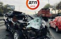 В Киеве произошло масштабное ДТП с перевернутыми машинами и пострадавшими