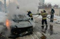 В Чечеловском районе Днепра воспламенилась легковушка