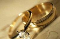 Средний возраст невест в Днепропетровской области в 2007 году составил 27,5 лет