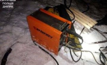 В Днепре местный житель украл санки и сварочный аппарат