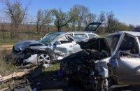 На Днепропетровщине произошло ДТП с участием двух легковушек: пострадало 5 человек, из них двое детей