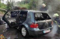 В Каменском районе сгорел Volkswagen Golf (ФОТО)