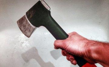 На Днепропетровщине мужчина забил собутыльника топором до смерти