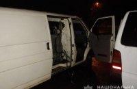 На Днепропетровщине 33-летний мужчина организовал нелегальную АЗС прямо в машине (ФОТО)