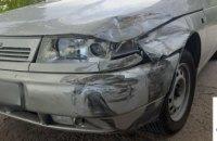 В Кривом Роге пьяный водитель «ВАЗ» столкнулся с Peugeot и скрылся с места происшествия
