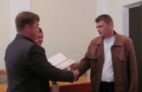 Благодарностью главы ОГА наградили криничанина за помощь бойцам АТО