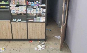 В Кривом Роге пьяный мужчина устроил погром в аптеке