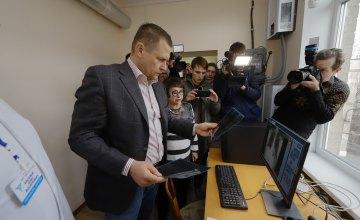 Борис Филатов: Пока государство недофинансирует медицинскую отрасль, город подставляет больницам плечо