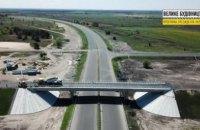 На транспортній розв'язці траси Дніпро-Решетилівка завершили укладати асфальт