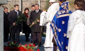 На Мандрыковской состоялась панихида по погибшим при взрыве 13 октября