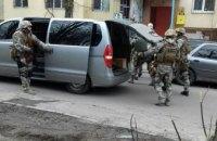 В Днепре на ж/м Тополь мужчина угрожает взорвать квартиру (ФОТО)