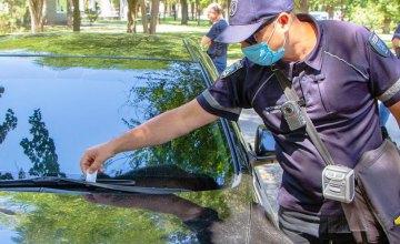 В Днепре инспекторы по парковке провели разъяснительную работу с водителями-нарушителями ПДД