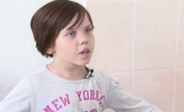 11-летняя жительница Днепропетровщины, которую бросили родители, уже 5 лет живет в больнице в Киеве (ВИДЕО)
