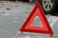 В Днепре на проспекте Мануйловском  столкнулись мотоцикл «КТМ» и автомобиль «Мercedes-Benz»