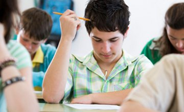 МОН  предлагает сократить количество предметов для старшеклассников