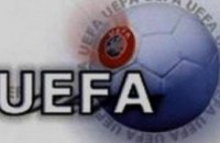 Виктор Янукович разрешил УЕФА открывать банковские счета