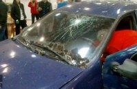 В Харькове мужчина на автомобиле въехал в торговый центр (ФОТО)
