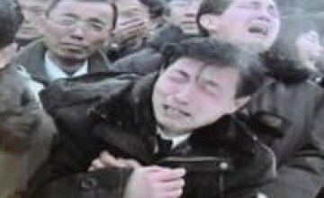 В КНДР «равнодушных» к смерти Ким Чен Ира отправят в трудовые лагеря