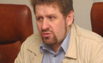 Кость Бондаренко: «В коалиции БЮТ-ПР Юлия Тимошенко — премьер, а Янукович — неизвестно кто»