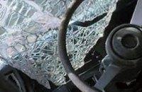 В Донецке от попадания снаряда в автобус погибла пассажирка