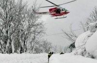 В Италии на отель сошла снежная лавина: есть погибшие