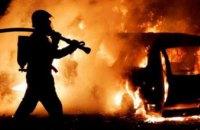 На авторынке в Киеве сгорели 7 иномарок