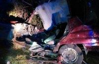 ДТП в Криворожском районе: из покореженного авто спасатели вырезали двоих человек
