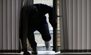 На Днепропетровщине серийный домушник грабил квартиры, пока хозяева спали