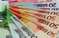 Евро на межбанке продолжает падать