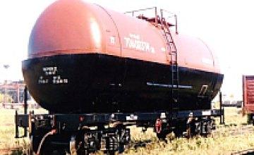 В Днепропетровске перевернулась цистерна с 66 т бензина
