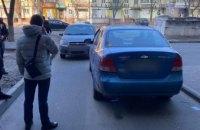 Перестрелка в Днепре:  водитель такси и пассажир встречного авто решили выяснить отношения