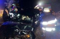 В Новомосковском районе спасатели вытащили 30-летнего водителя из искорёженного авто