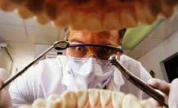 В Киевской области стоматолог сломал пациенту челюсть
