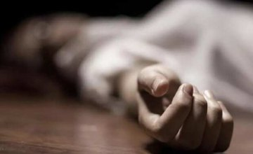 В Кривом Роге пьяный мужчина зарезал свою сожительницу