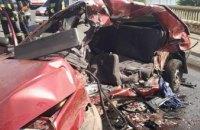 Смертельная авария на Южном мосту в Днепре: погибли водитель и пассажир (ФОТО)
