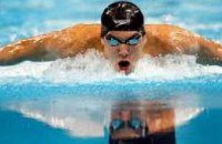 Александр Вилкул наградил пловца из Днепропетровской области за победу на Чемпионате Европы