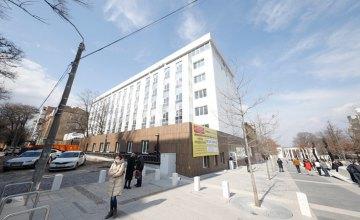 Міністр розвитку громад та територій проінспектував реконструкцію дитячої лікарні № 5 у Дніпрі