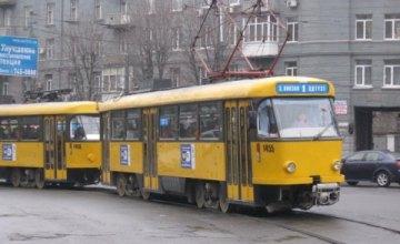 Завтра в Днепре произойдут изменения в движении трамвайных маршрутов № 18 и № 19