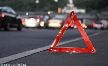 На Днепропетровщине иномарка насмерть збила пешехода: разыскиваются свидетели ДТП