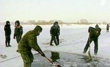 В Павлограде двое мужчин провалились под лед