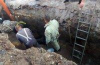На Днепропетровщине при обвале траншеи под завалами оказались двое рабочих (ФОТО, ВИДЕО)