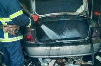 В Никополе сгорел гараж с автомобилем внутри (ФОТО)