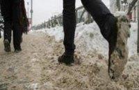 В декабре за неубранный снег на тротуарах Днепропетровска выписали 44 протокола