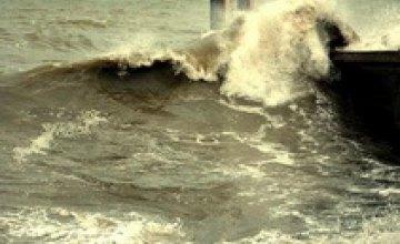 В Алуште женщину смыло в море во время фотосессии