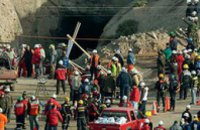 В Чили подняли на поверхность всех шахтеров