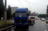 В Харькове водитель грузовика «Mersedez-Benz» насмерть сбил пенсионера (ФОТО)