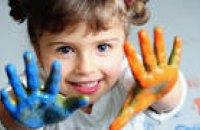 Днепропетровские волонтеры открыли сбор средств на изучение английского языка для детей-переселенцев посредством