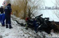 На автодороге Днепр-Николаев произошло лобовое столкновение двух автомобилей: 8 человек погибло