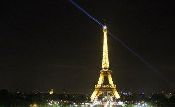 Эйфелеву башню оградят пуленепробиваемым стеклом